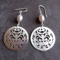 crownie earrings (fancy), silver & pearl