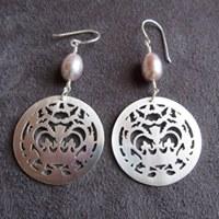 crownie earrings (fancy), silver & pearl